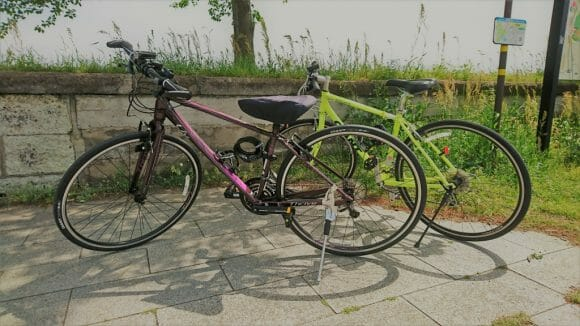 2台のクロスバイク