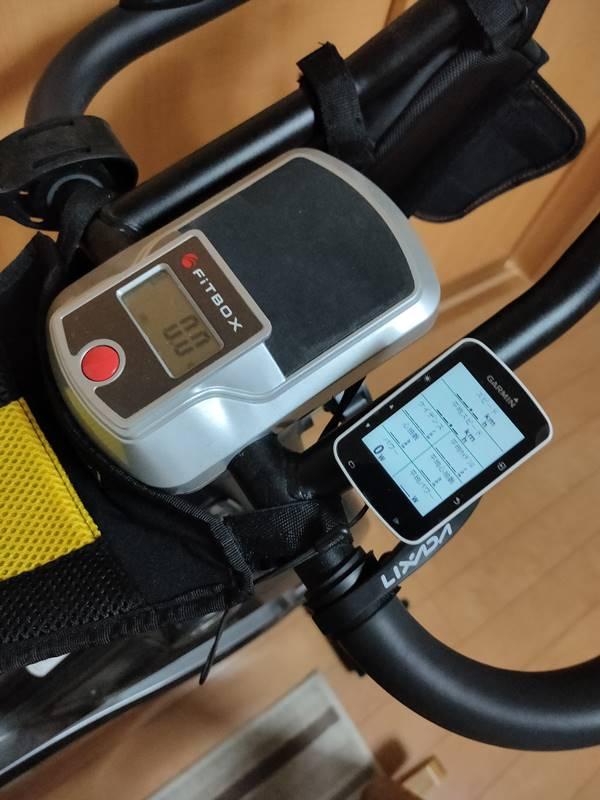 エアロバイクにサイクルコンピューターを取り付けたところ