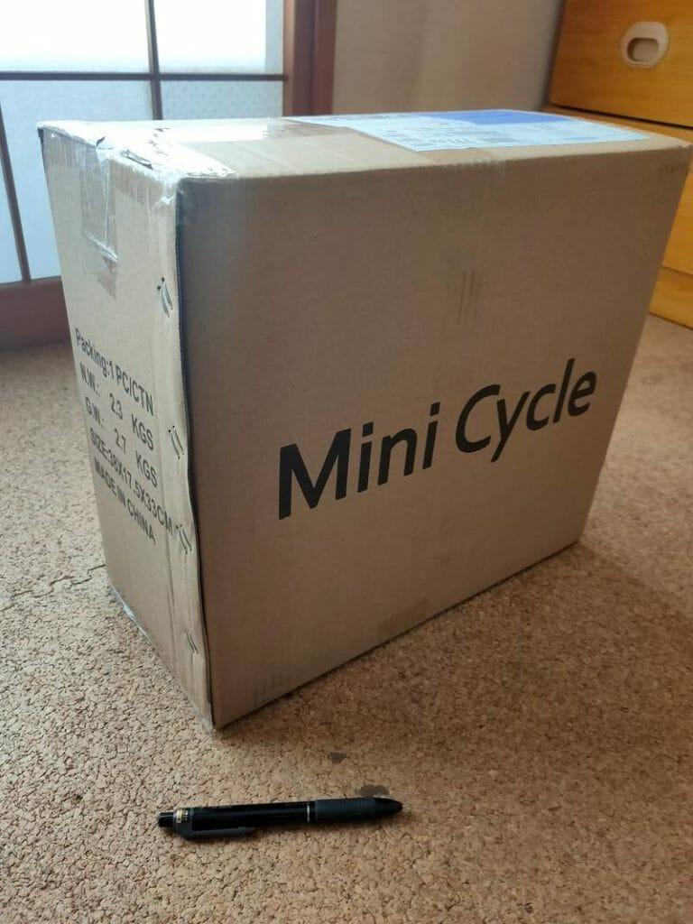 FALCON フィットネスバイクの箱